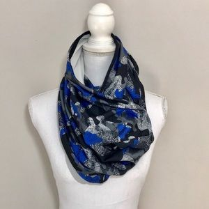 Fabletics Eclipse Infinity Scarf